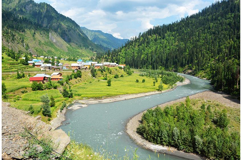 کشمیر کی حسین وادی نیلم کی سیاحت