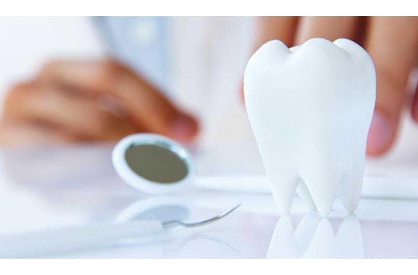 صحت مند دانت کے لئے 7 باتوں پر عمل کریں